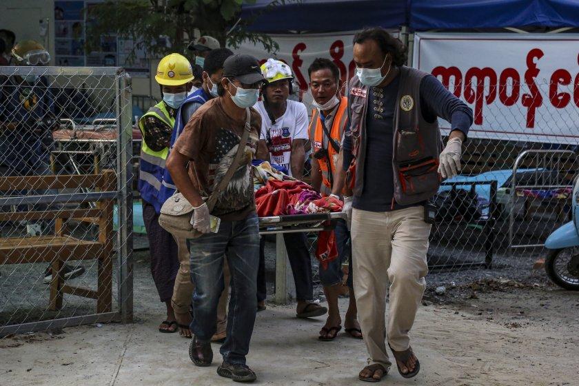 кървав ден мианмар убиха протестиращи преврата