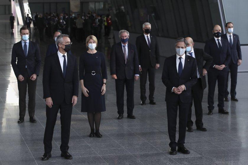 Втори ден на срещата на министрите на външните работни от