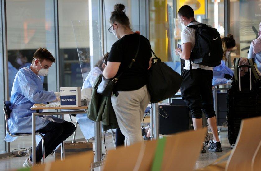 19-годишна турска гражданка се опита да мине през летището в