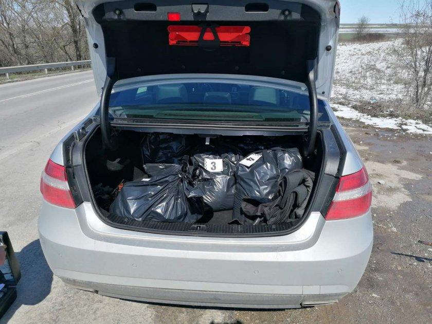 нелегален тютюн беше иззет автомобил шумен