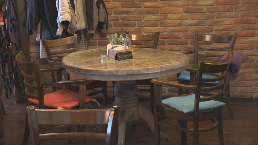Представители на ресторантьорския бизнес и търговците на дребно в моловете