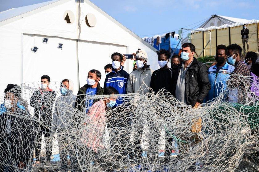 ЕС призова Турция да приемe обратно мигрантите, върнати от Гърция