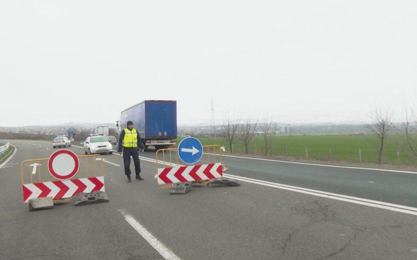 сблъсък два тира затвори автомагистрала тракия единият запалил