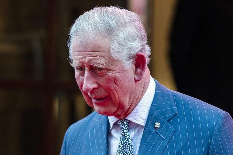 принц чарлз баща липсва мен семейството