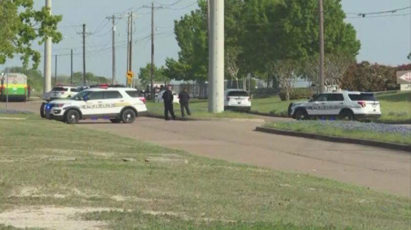 Един убит и шестима ранени при масова стрелба в Тексас