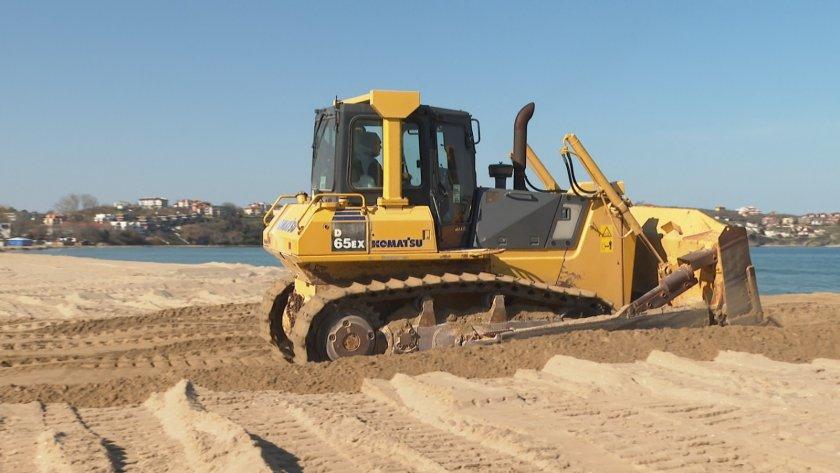 """Концесионерът: Няма заравнени дюни край плажа на къмпинг """"Каваците"""" и """"Смокиня"""""""