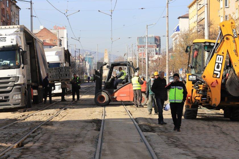 започна ремонтът трасето трамвайна линия снимки