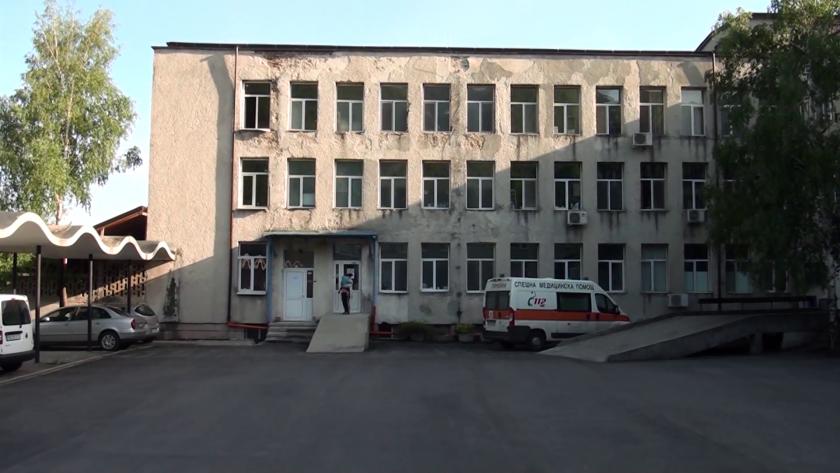 пациент covid скочи етаж болницата карлово
