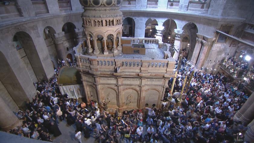 На Велика събота целият православен свят очаква отново да се