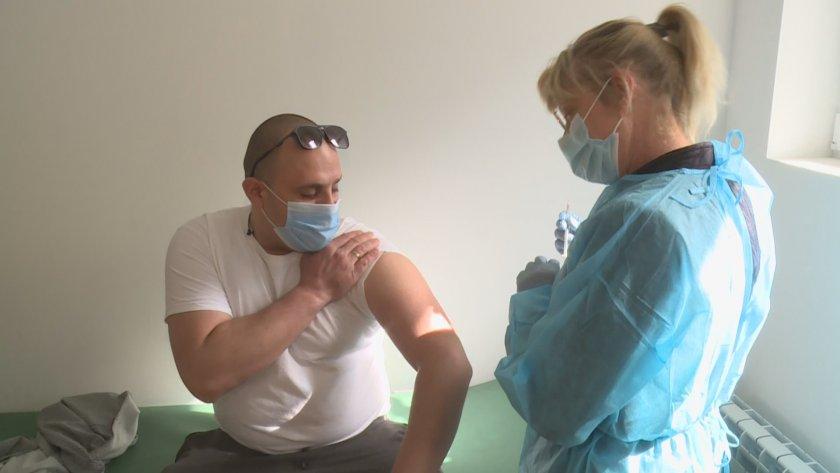 започна ваксинизацията заетите туризма