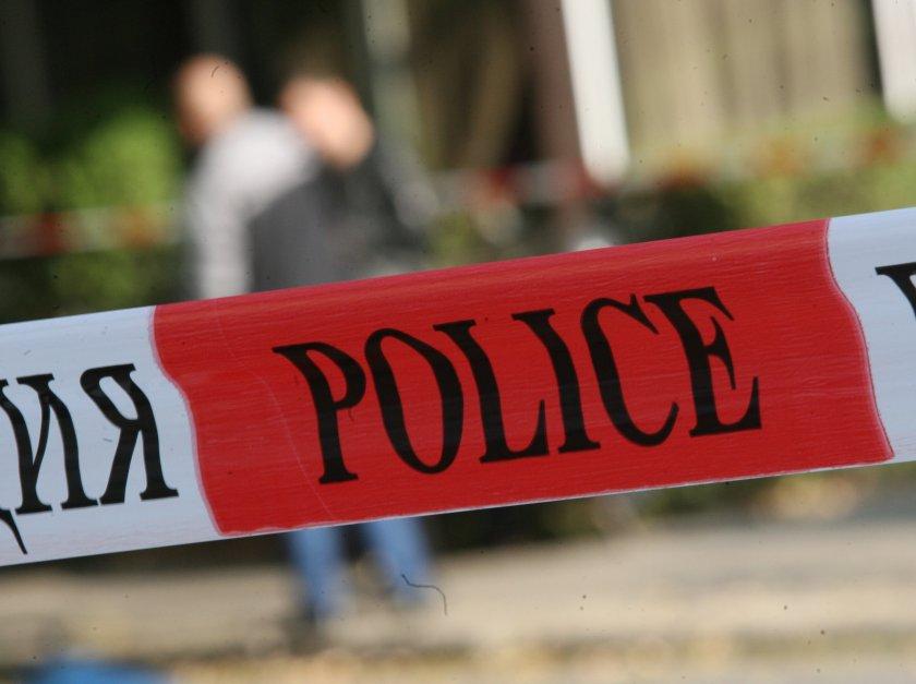 Задържаха мъж, размахвал пистолет срещу деца в Пловдив