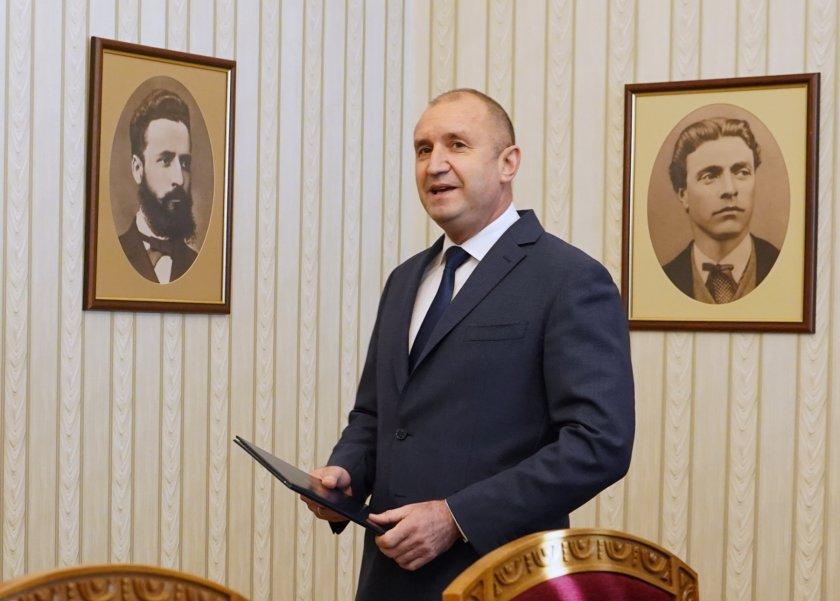 президентът призова правителството оставка внесе предложение актуализация бюджета