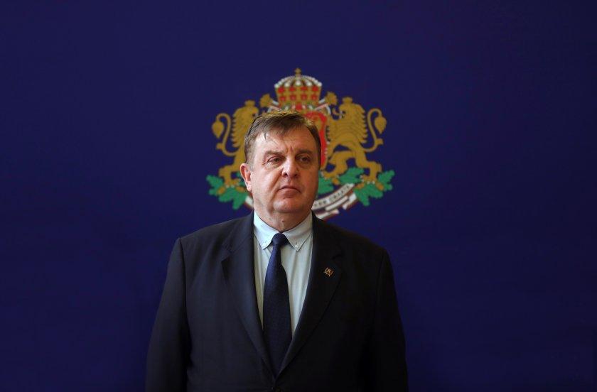Вицепремиерът и военен министър в оставка, и председател на ВМРО
