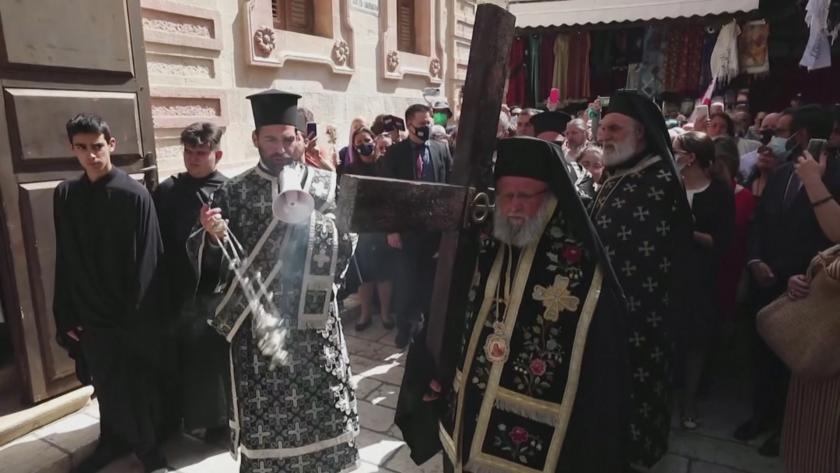 На Разпети петък православни християни изминаха Кръстния път на Исус
