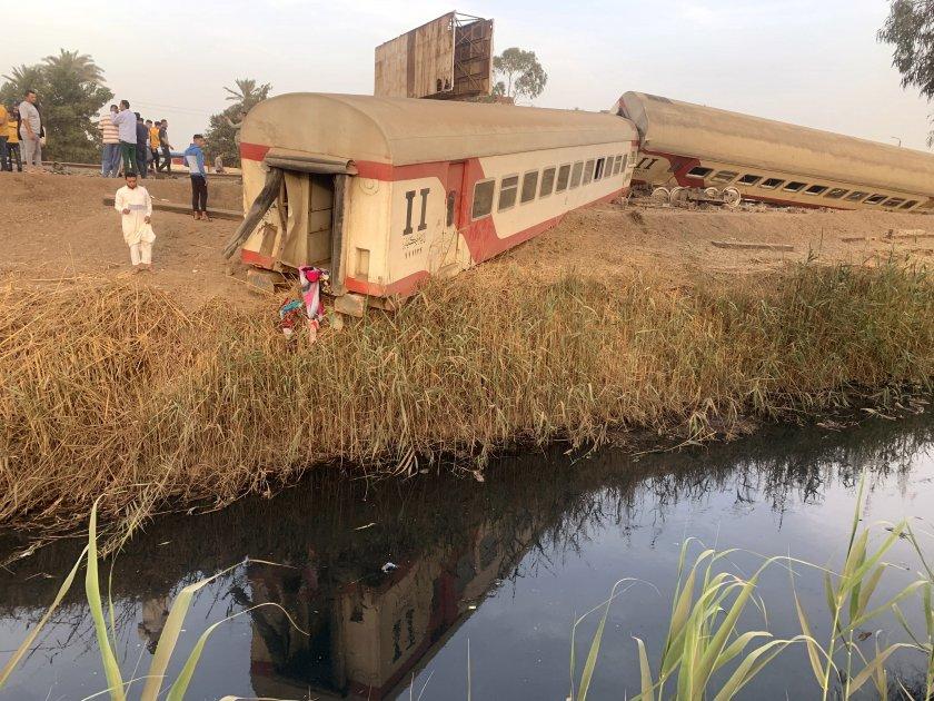 нова влакова катастрофа египет близо 100 ранени