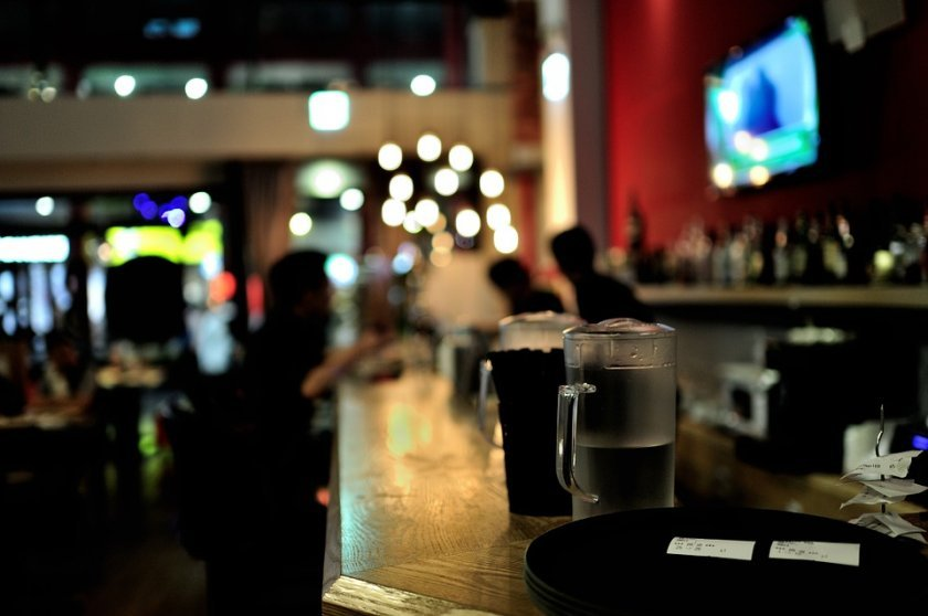 сливенска област забраняват посещенията дискотеки барове клубове