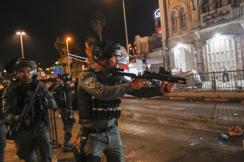 папата призова сблъсъците йерусалим бъдат прекратени