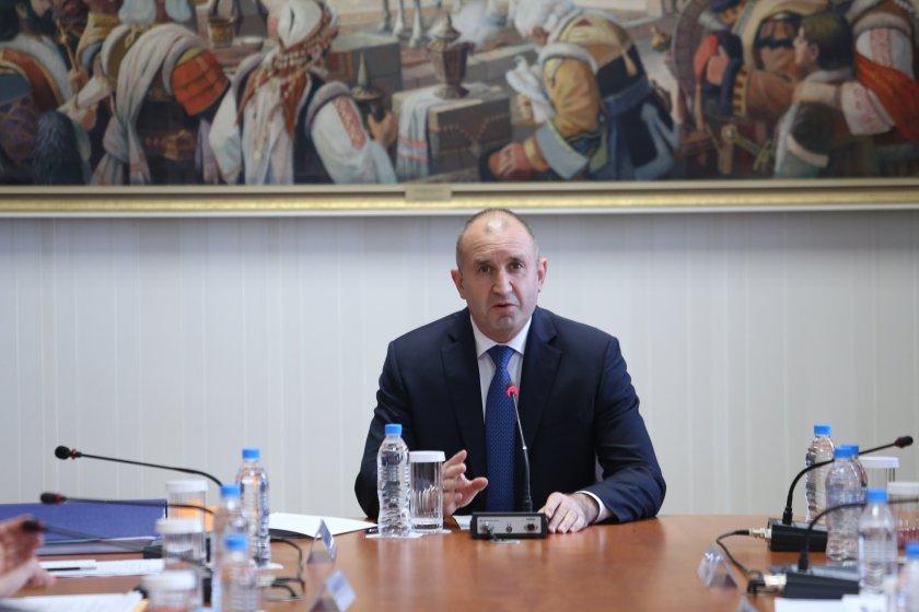Очаква се днес президентът Румен Радев да разпусне 45-ото Народно