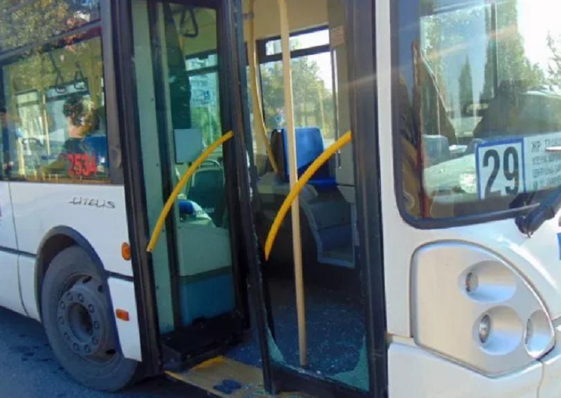шофьор градски автобус загуби съзнание вряза метри деца пловдив