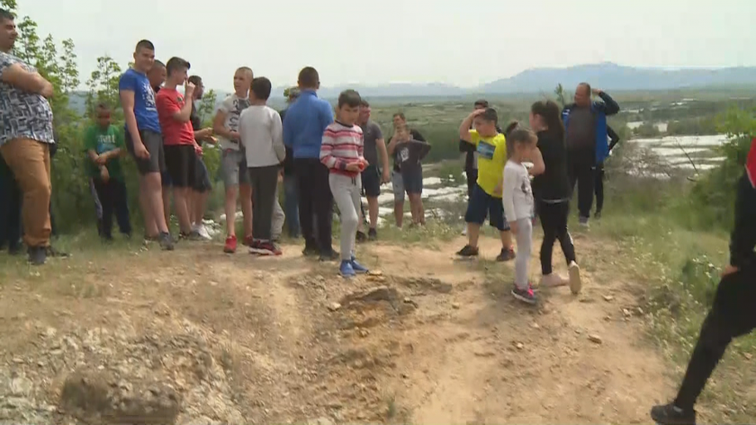 В село Струма се надхвърлят с яйца за здраве и берекет