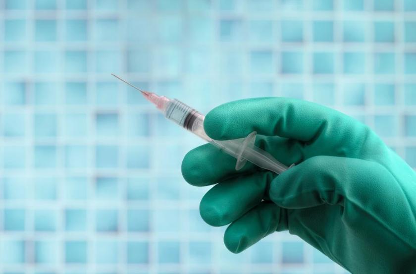 """В САЩ разрешиха ваксинирането с """"Пфайзер"""" на юноши между 12 и 15 години"""