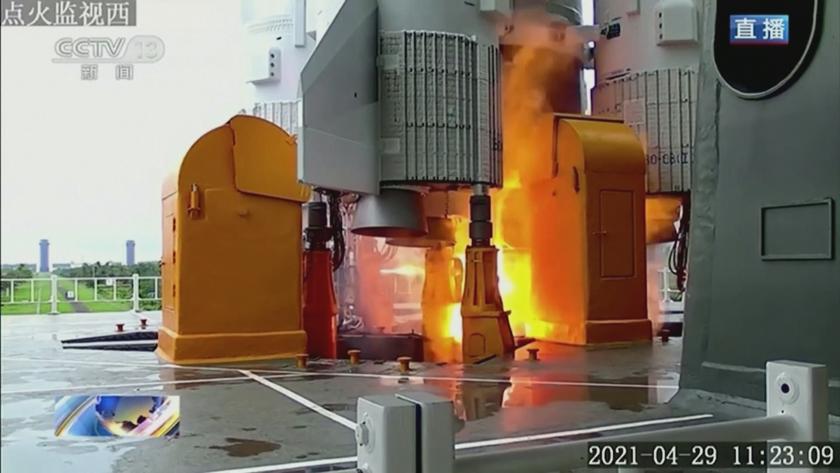 18 тона тежи китайската ракета, която пада неконтролируемо към Земята