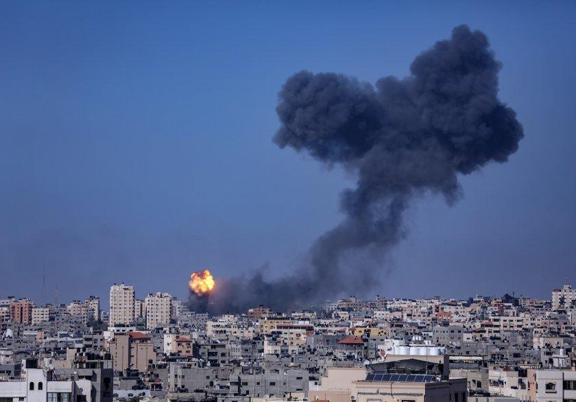 Ожесточена размяна на въздушни удари между Израел и палестински бойци