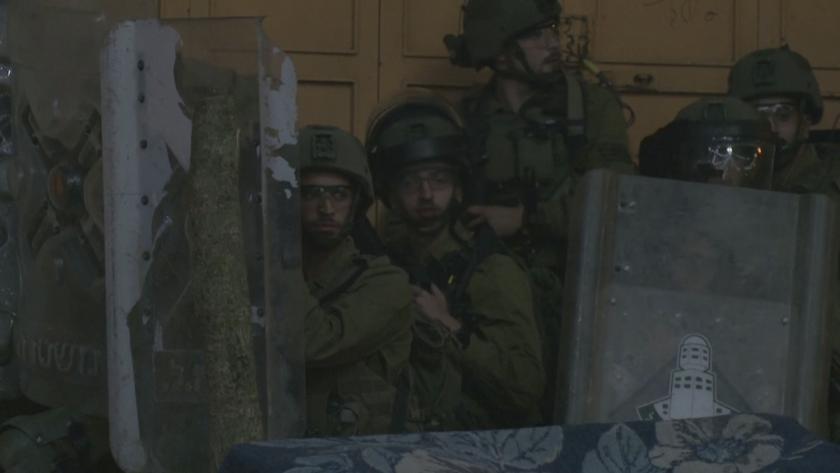 Израел струпа войски по границите си с Газа