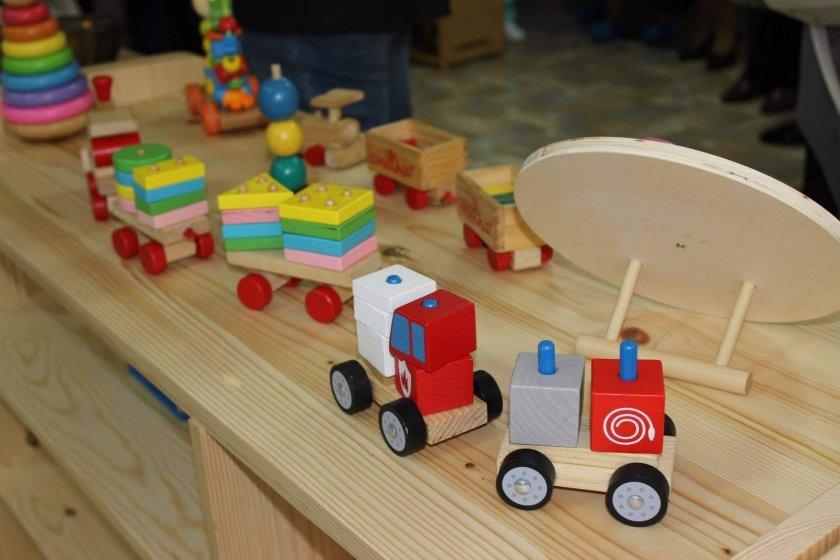 Отлагат първото класиране за детските градини