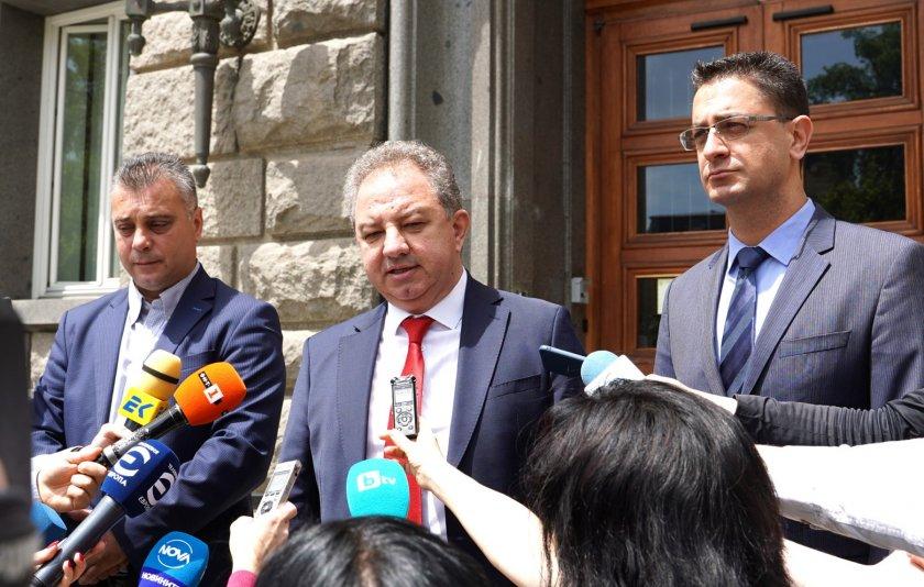 """""""Българските патриоти"""" се регистрираха в ЦИК за изборите на 11 юли"""