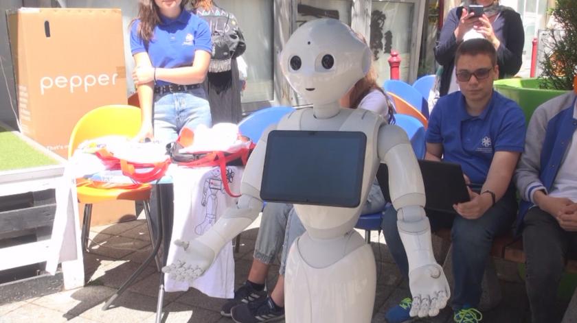 Роботи правят демонстрации в центъра на Бургас