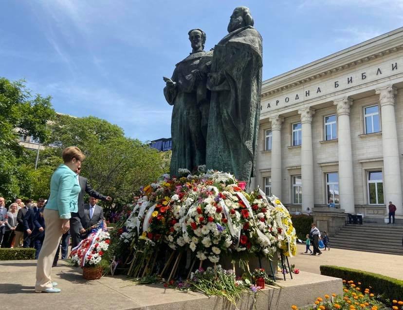 Руският посланик: Ролята на България за формиране на славянската писменост е безценна