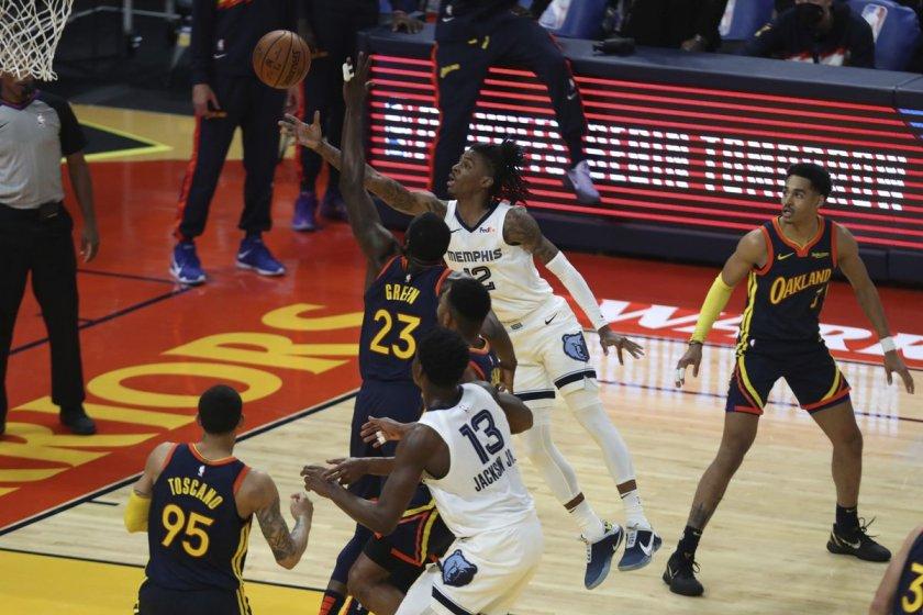 Мемфис се класира за плейофите в НБА