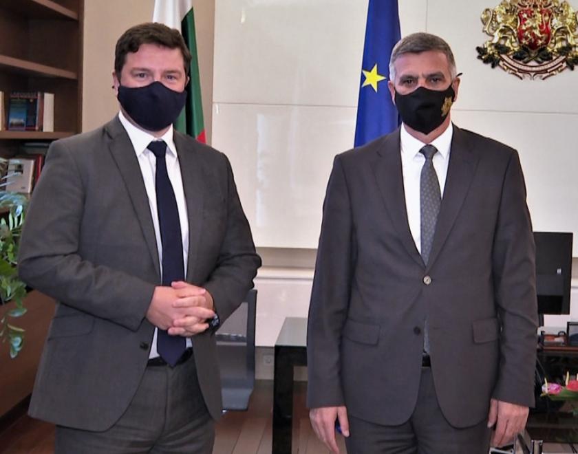 Министър-председателят Стефан Янев проведе среща с посланика на Великобритания Роб