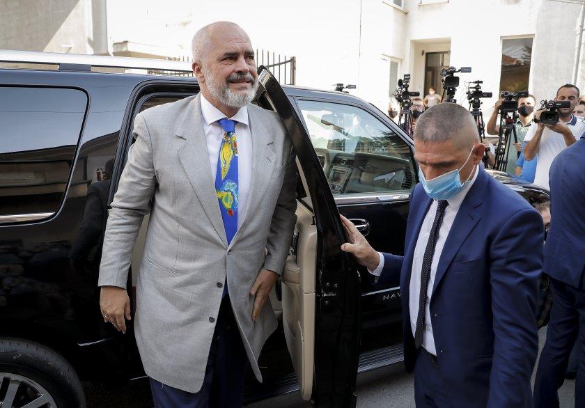 Министър-председателят Стефан Янев проведе телефонен разговор с премиера на Албания