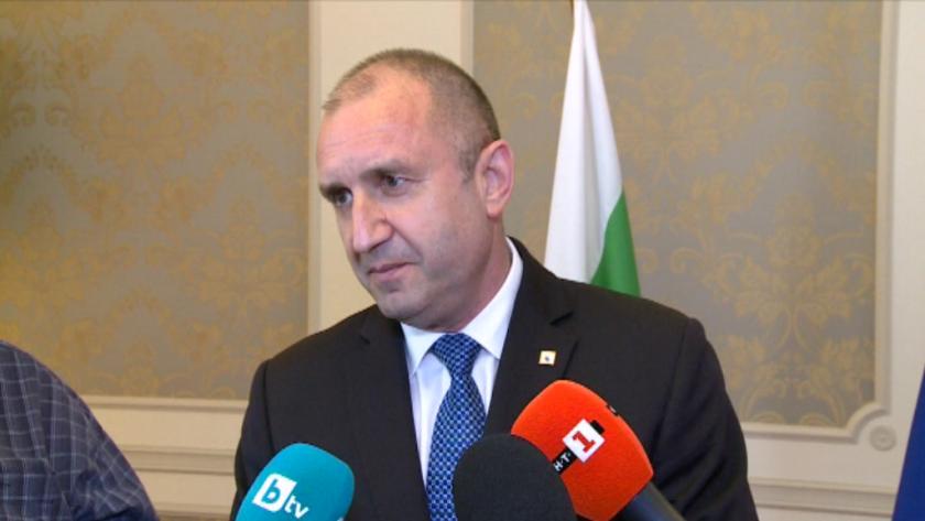 На въпрос предстоят ли рокади в службите президентът Румен Радев