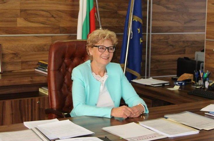 Министър Комитова: Програма за саниране твърдо ще има