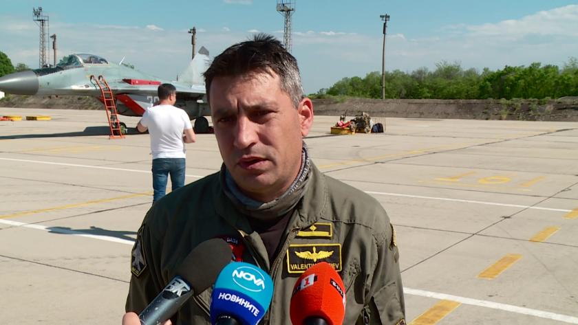 Майор Валентин Терзиев е военен пилот от Българските ВВС -