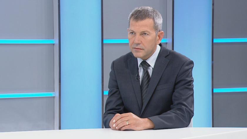 Транспортният министър: Спрял съм абсолютно всички предстоящи поръчки на БДЖ