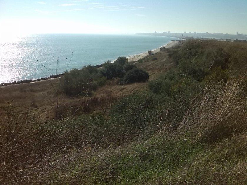 проверяват плаж сарафово заради сигнал багер пясъка