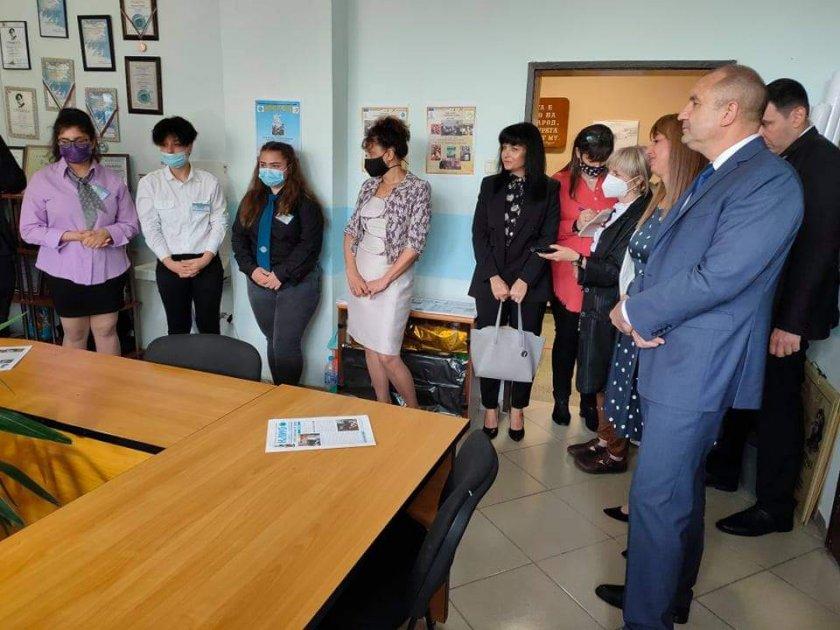 Президентът Румен Радев е в Пловдив. Той е на посещение