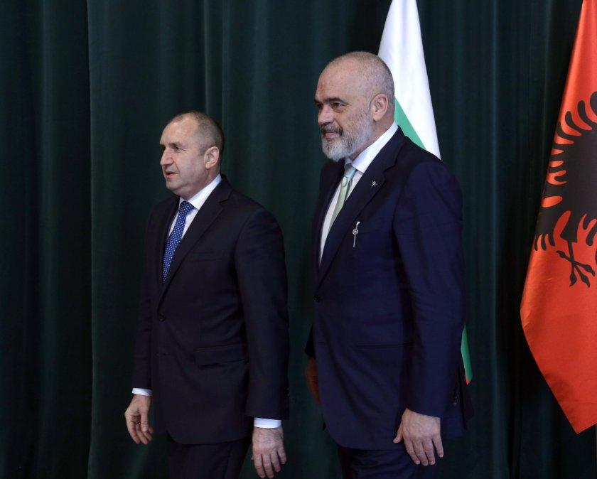 рама обсъди президента радев възможностите решаване проблема скопие