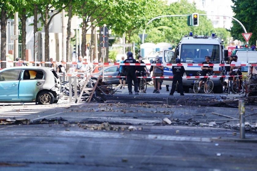 ригер щрасе улицата берлин стана арена стълкновения граждани полиция