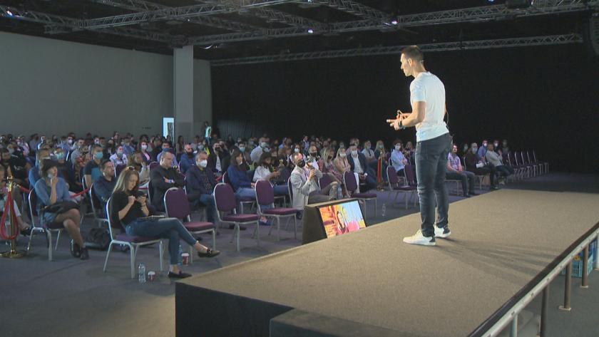 """Иновативни проекти на млади предприемачи бяха представени на """"България те иска"""""""