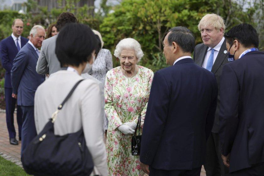 Кралица Елизабет II прие лидерите на Групата на седемте (Г7)