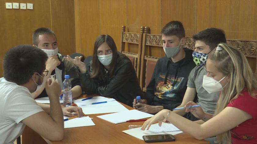 Ученици от Благоевград участваха в обучение за организиране и провеждане