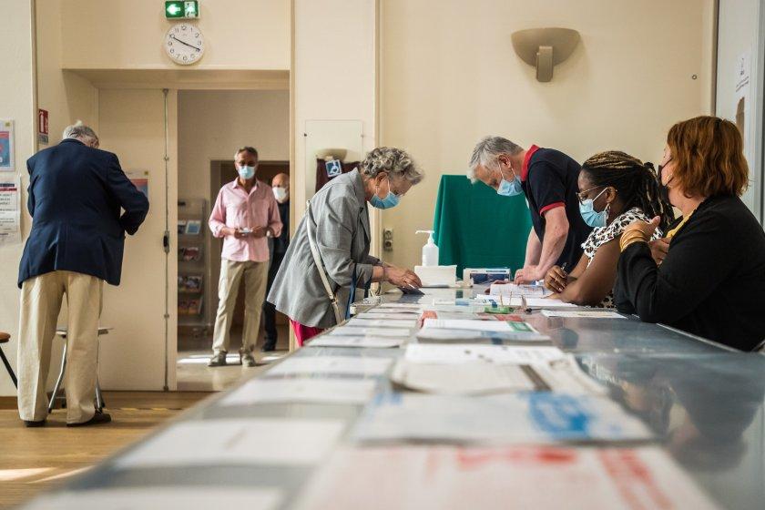 Първичните резултатите от местните избори във Франция показват, че партията