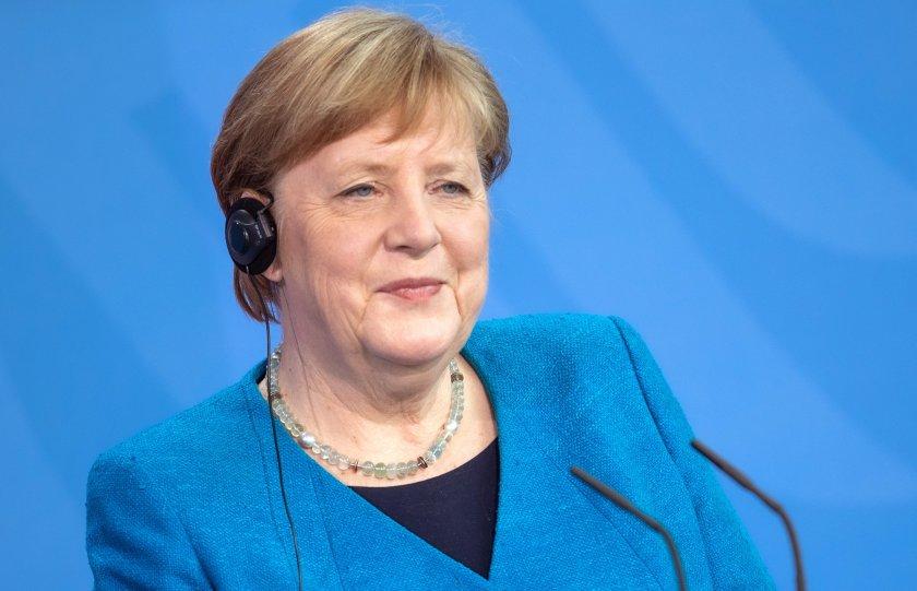 меркел изрази готовност тясно сътрудничество бенет