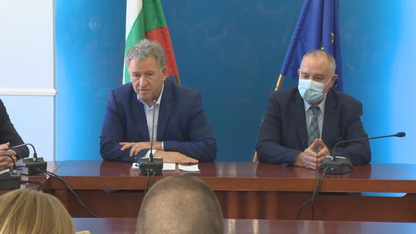 В Министерство на здравеопазването се провежда среща между министъра на