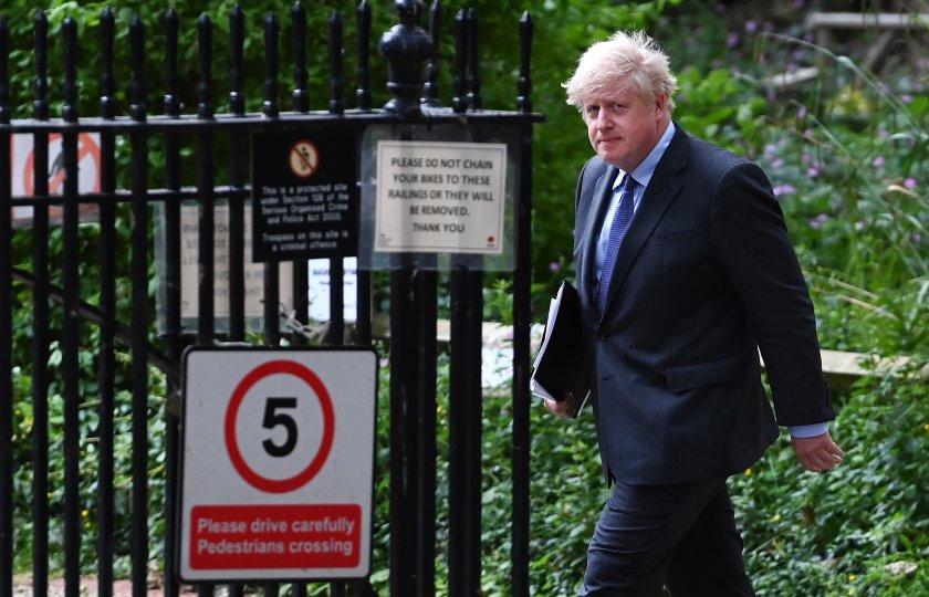 Британският премиер Борис Джонсън потвърди отлагането с 4 седмици на